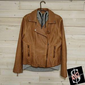 💕NWT/Max Studio leather coat